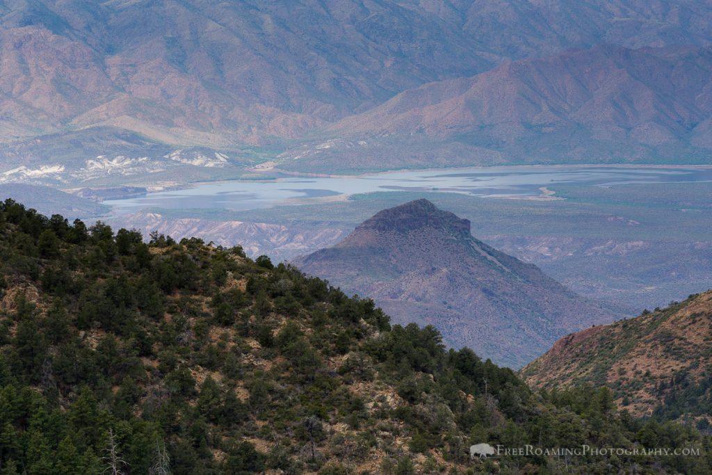 Horseshoe Lake in Desert Valley