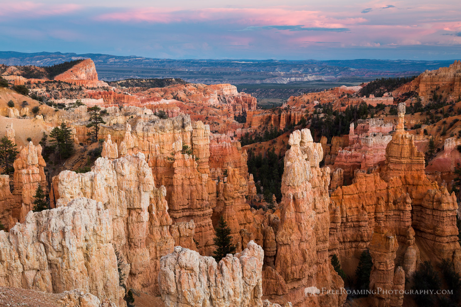 Sunset over Fairyland Canyon